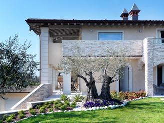 Facciate moderne finiture firmate for Facciate case moderne