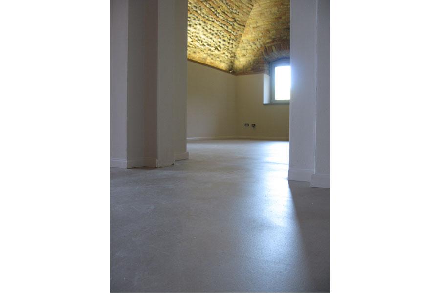 Pavimento in resina finiture firmate - Resina su piastrelle esistenti ...